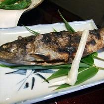 *ニジマスの塩焼き(夕食一例)
