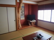 和室10畳 ゆったりおくつろぎ頂けます