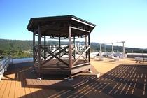養老山系を一望できる屋上展望ガーデン♪夏季にはバーベキューコーナーを設置