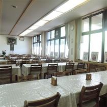 *食堂/夕朝のお食事はこちらの食堂でご用意いたします。