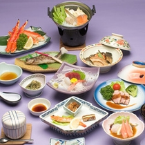 *お料理一例/日本海で獲れた魚介類を使った会席料理!ズワイガニまたはヒレステーキをお好みで選べます♪