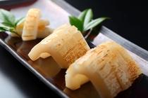 【季節限定】コリコリとした触感が美味い!!一品料理「紋甲イカ一夜干し」600円もいかがですか?
