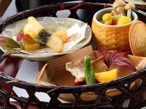 【旬の魚介と籠盛会席】のおすすめ料理『籠盛』です。