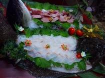 大ブリ、大ヒラメの大皿(団体様用)