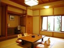 日本家屋の重厚な造りのお部屋