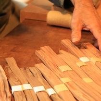 【箸作り】個性豊かな箸たちは何かを物語ってくれるはずです。