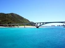 慶留間島と阿嘉大橋