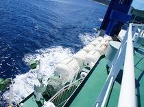 フェリー座間味から見るケラマブルーの海