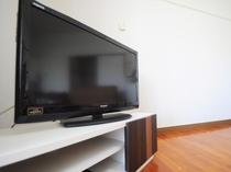 【客室】大型テレビもあります!