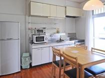 【客室】キッチンがあるので長期滞在にも便利です