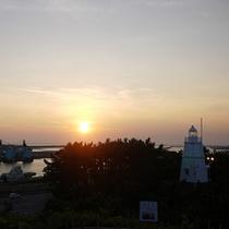 *【周辺スポット】日本海に沈む美しい夕陽を望む「日和山公園」
