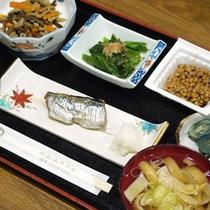 *【朝食一例】素朴ながらも味わい深い「日替り和定食」をお召し上がりください!