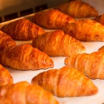 朝ごはんバイキング 焼き立てパン