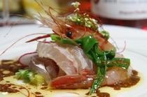 海の幸のサラダ仕立て レホールソース