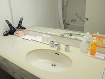 【客室】清潔に保ち広々した洗面台です