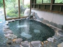 内風呂(男性用):自家源泉100%かけ流しの温泉があなたを心の底から癒してくれます。.jpg