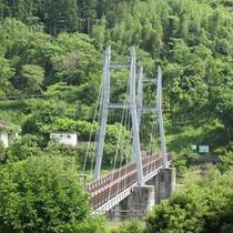 本館から見る「ほたる橋」