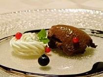レアチーズとチョコムース ブルベリー、レッドカラント添え.jpg