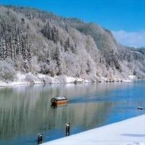 『冬』の最上川舟下り