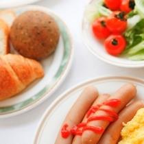 【朝食】お好きな物をお好きなだけ♪バイキング朝食無料サービス