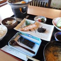 *【朝食一例】和食御膳を外の景色が眺められるレストランにてご用意いたします