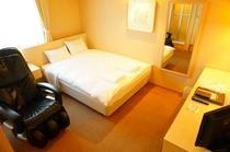 ダブルベッドルーム(ベッド幅140cm)