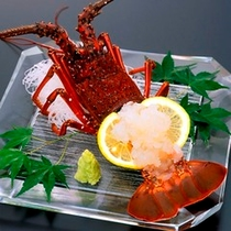 特別料理・伊勢えび/プリプリと新鮮な伊勢えびのお造りをお部屋へお持ちします。(要事前予約)