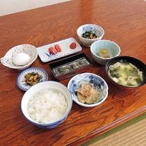 *【朝食(一例)】家庭の味を彷彿させる、和定食をご用意いたします。