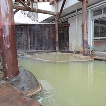 *【露天風呂】周辺では数少ない露天風呂をお楽しみいただくことができます。