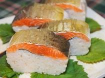 琵琶鱒の棒寿司
