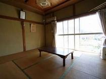 2階角部屋8畳和室