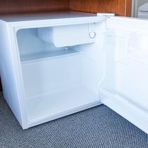【冷蔵庫】お部屋には冷蔵庫完備★
