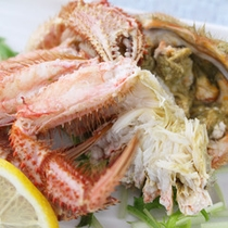 *【夕食一例/毛ガニ】深い味わいの蟹ミソまでたっぷり楽しめます。