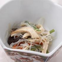 *【夕食一例/小鉢】春雨と鶏肉の中華和え