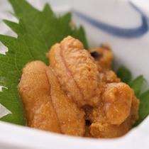 *【夕食一例/ウニ】濃厚な味わいと磯の風味が口の中に広がります。