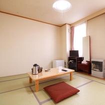 *【部屋/8畳】3名様までご利用いただける純和風のお部屋です。