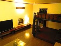 個室 ファミリールーム5号室 4名様から6名様まで対応可能な充実したお部屋