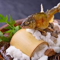 ■ご夕食一例(地元の山女魚の塩焼き)