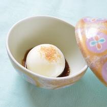 *お夕食一例(季節のデザート)/本日はアイスクリームを添えて。