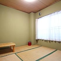 *部屋一例/1人旅の方にお勧めの和室です。テレビも完備しています♪