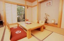 8畳の床の間付きお部屋