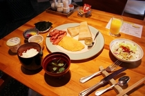 レストラン【マルコ】での朝食