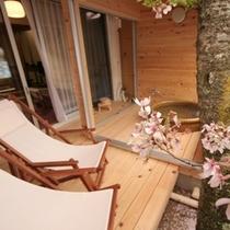 ◇桜と客室専用露天風呂