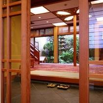 桜のモチーフがかわいい玄関2