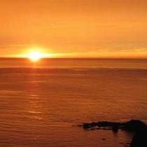 夕日と弁天岩