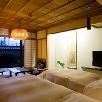 【一般客室・12畳和室ツイン】快適な眠りを誘うシモンズのベッドでお休みいただける人気のお部屋です。