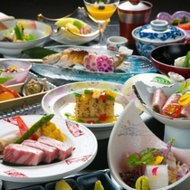 【京風会席一例】メインに飛騨牛のステーキかしゃぶしゃぶをお選びいただけるスタンダードな京風会席。