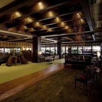 【ロビー】吉野杉などの天然木の梁が施されたロビーは、格調高い重厚感の中に、ふと温もりを感じます。