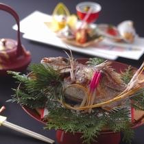 【お祝い料理一例】お祝い事や記念日のご宿泊には、おめでたい鯛料理の付いた特別会席がお薦めです。