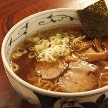 【飛騨亭そば】飛騨高山で「そば」といえば、「中華そば」。醤油ベースのあっさりスープがお腹に優しい。